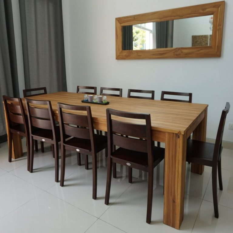 Wooden dining table in Shah Alam