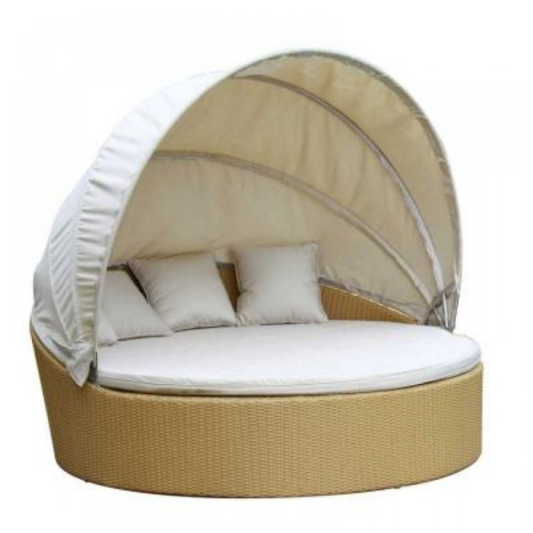 Wicker round daybed