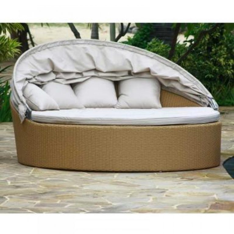 Wicker sofa, wicker daybed, outdoor wicker seat